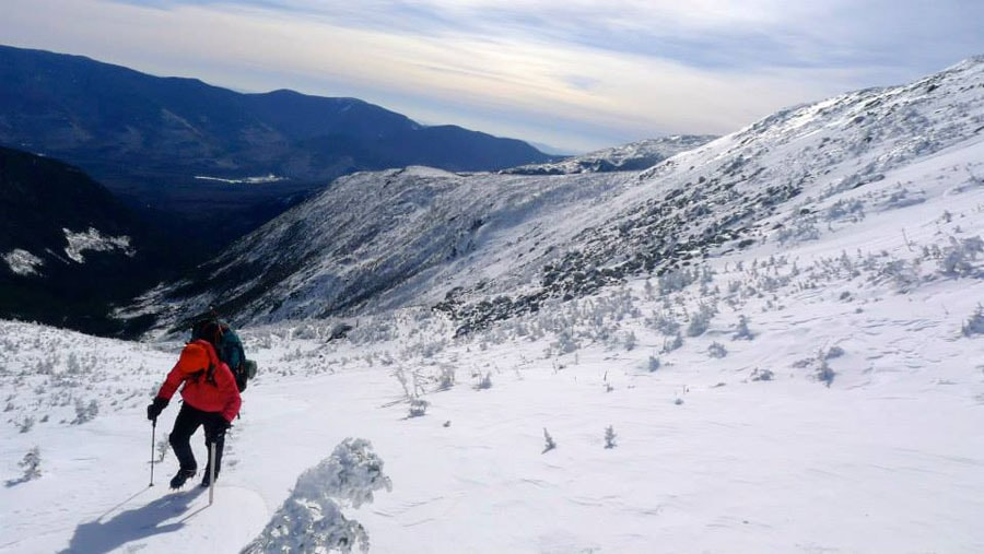 Todd cruising up perfect snow on Mount Jefferson.